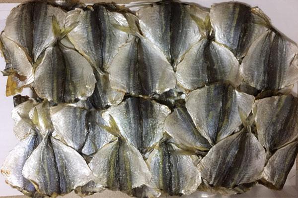 Bán cá chỉ vàng tại Hà Nội